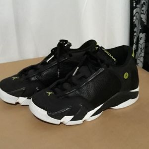 Nike Air Jordan XIV 14 Retro Black//Black-White-Vivid Green 487524-005 GS SZ 6Y